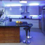 Светодиодная лента для кухни – параметры выбора, 3 схемы подключения и пошаговое руководство по монтажу