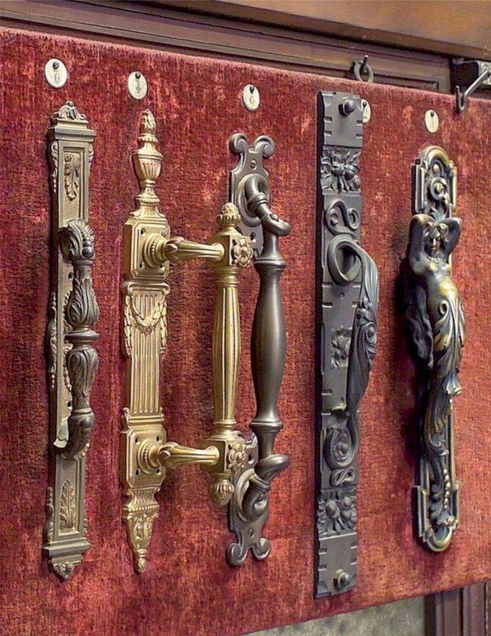 Дверная ручка – виды, материалы и правила выбора