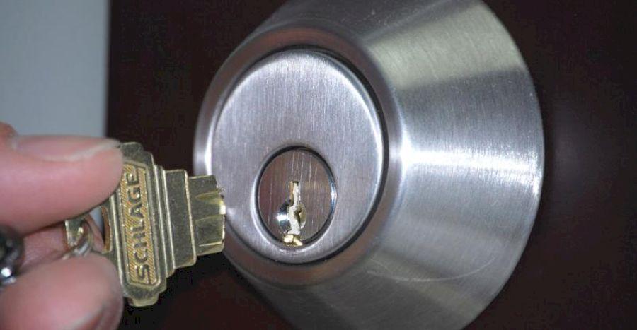 Поломка ключа в замочной скважине