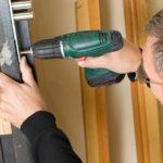 Ремонт входных железных дверей – что можно сделать своими руками