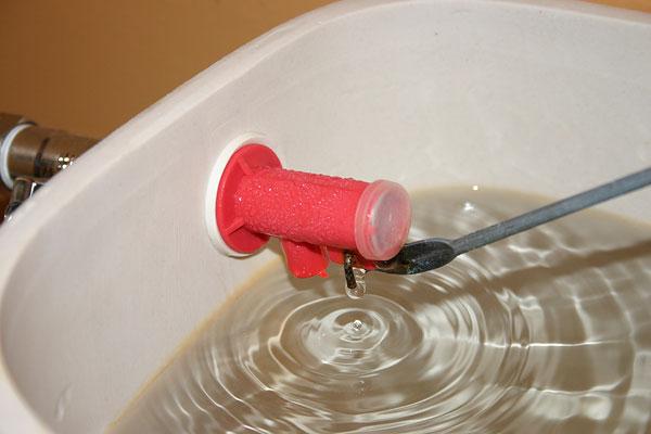 Пластиковый клапан для арматуры бачка унитаза