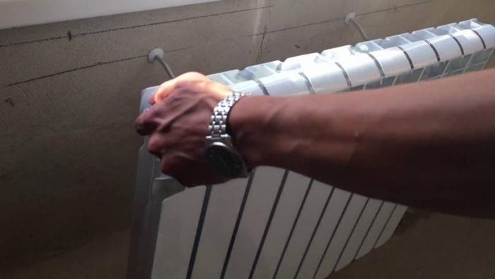 Установка батареи своими руками