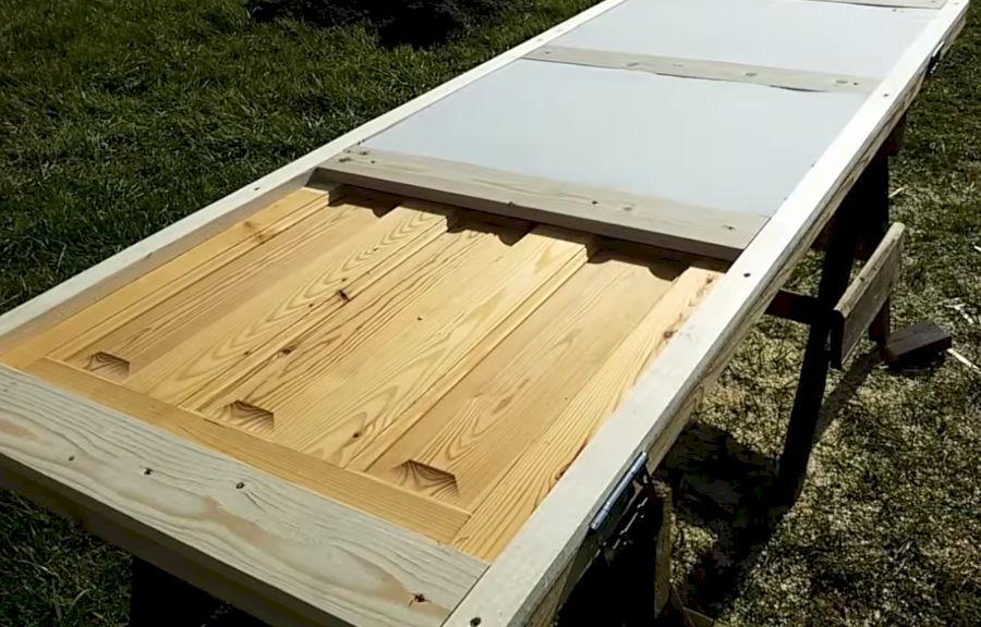 Монтаж утеплителя в деревянную дверь