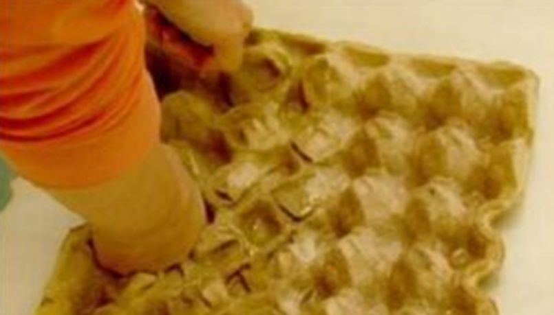 Разминание яичных лотков