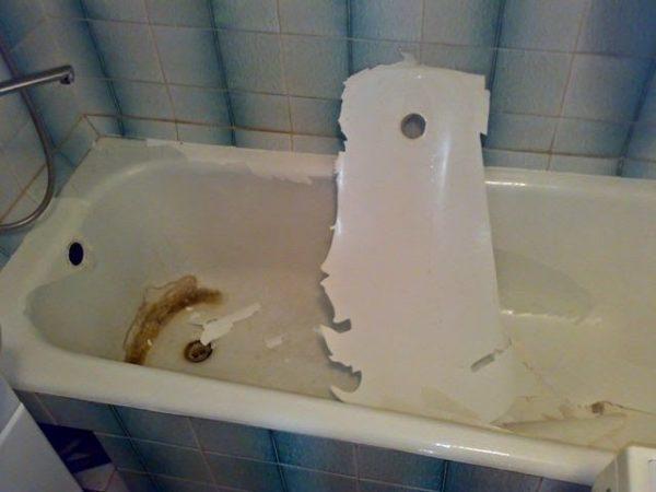 Отслоение эмали при самостоятельной отделке ванной